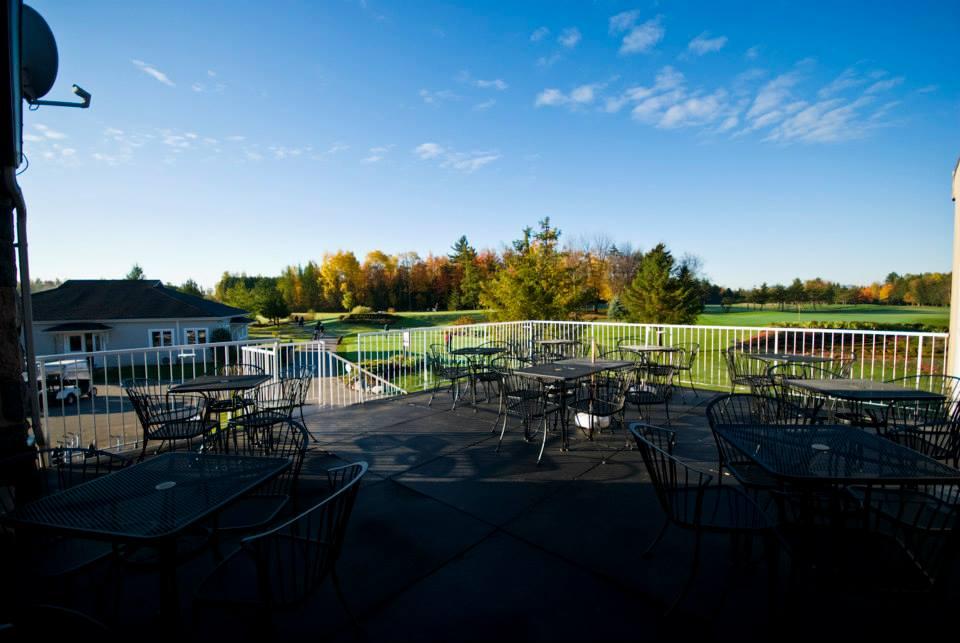 Vue du terrain de golf à partir de la terrasse