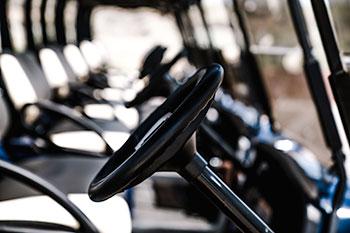 Intérieur d'une voiturette de golf